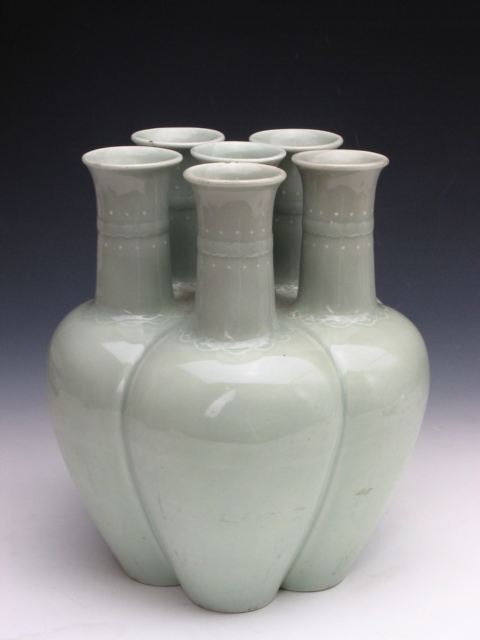Celadon-glazed Six Vases during Yongzheng Reign Periods of the Qing Dynasty